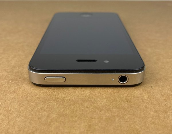 (A) Telefon Apple Iphone 4 8 GB